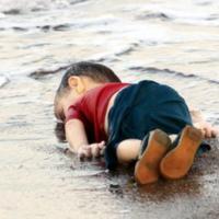 Alan_Kurdi_lifeless_body.jpg